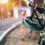 Fahrradhelm am Lenker – Pedelecs, E-Bikes, Speed-Pedelecs